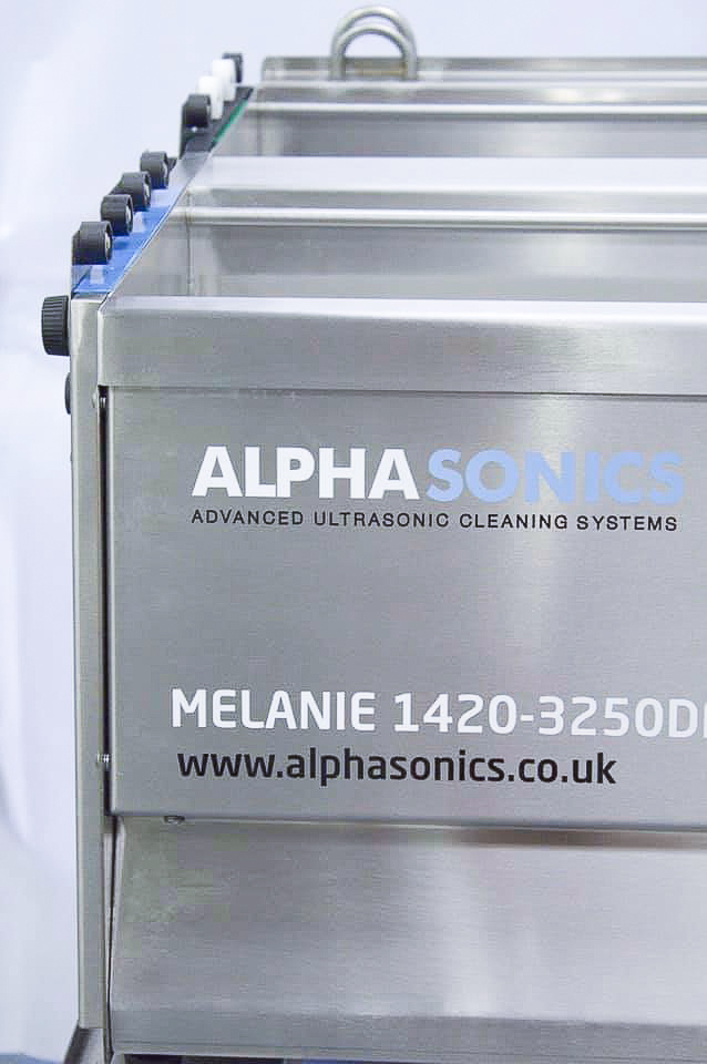 A close up image of the Melanie Lite system from Alphasonics, designed for cleaning Anilox Rolls.
